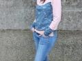 outfit mit Kapuze Hoodie fGanzkörperbild mit Hoodie für Frauen - Kapuze auf dem Kopf. JanaKnöpfchen Nähblog. Nähen für Jungsuer frauen.janaknoepfchen naehblog