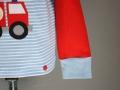 feuerwehrshirt mit feuerwehrauto applikation knopf. janaknoepfchen. nähblog - nähen für jungs