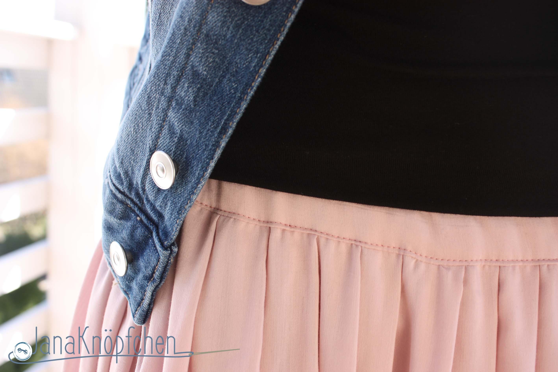 Zartrose Faltenrock nähen - 12colorsofhandmadefashion von tweetandgreet. JanaKnöpfchen - Nähen für Jungs. Nähblog