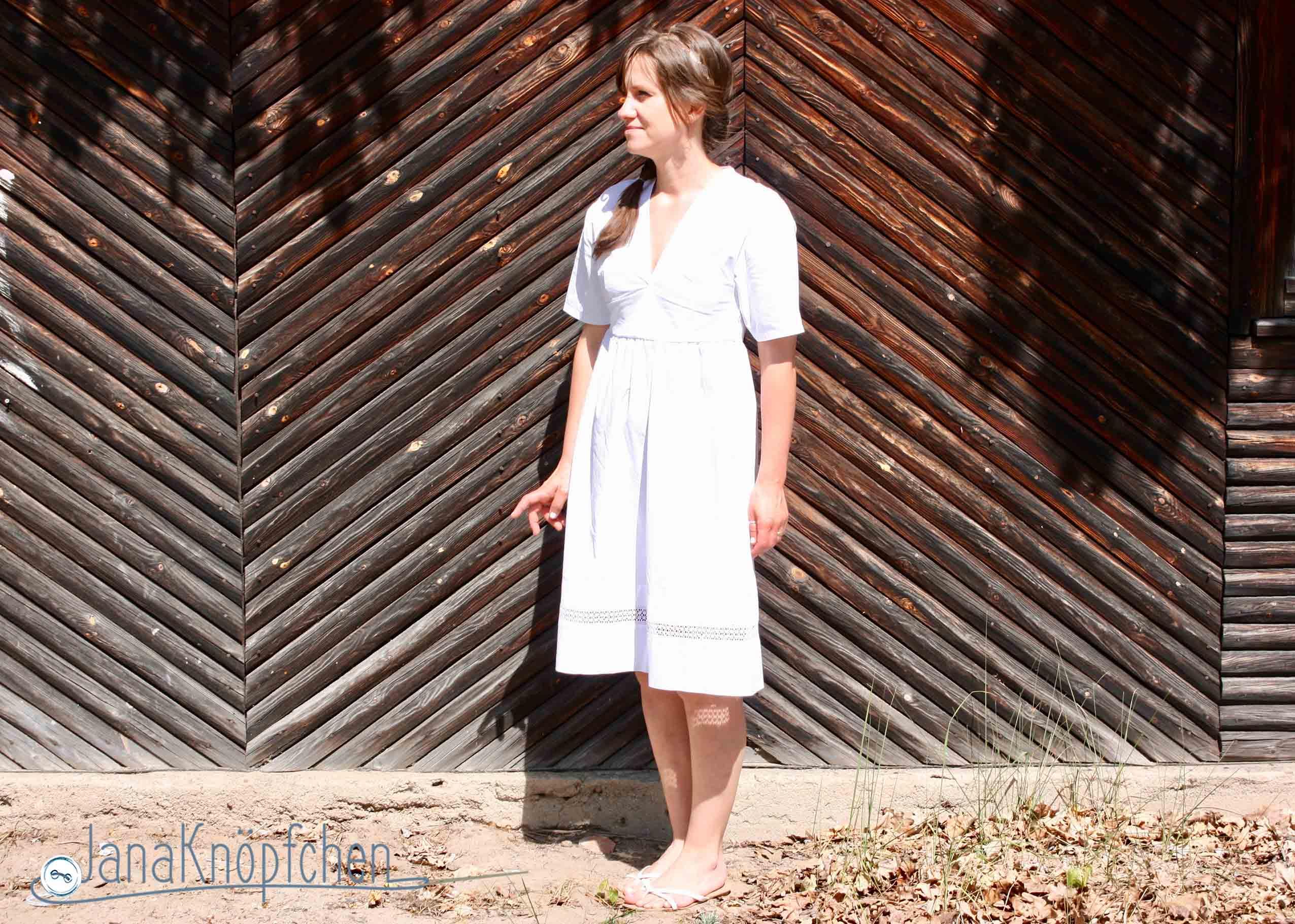 Weißes Frühlingskleid nach einem Burdaschnitt nähen. JanaKnöpfchen. Nähen für Jungs - Nähblog