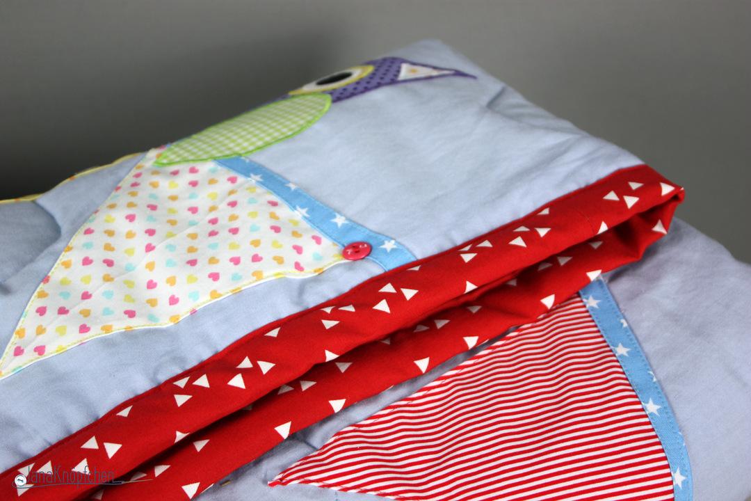 selbstgen hte babydecke zur geburt mit wimpeln und eule. Black Bedroom Furniture Sets. Home Design Ideas