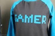 Gamer-Applikation auf Raglanshirt genäht. JanaKnöpfchen - Nähen für Jungs