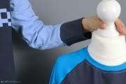 Halsausschnitt des selbstgenähten Gamer-Shirts für Jungs. JanaKnöpfchen - Nähen für Jungs
