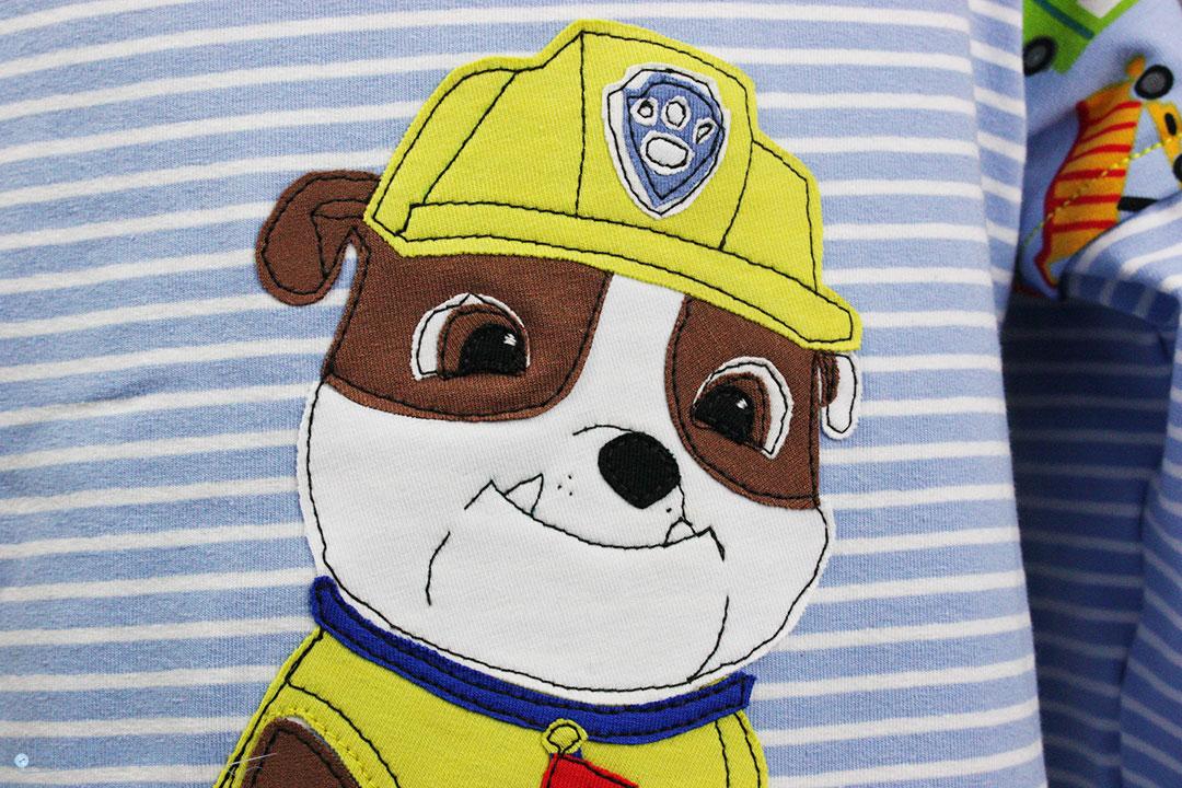 Applikation von Rubble Paw Patrol auf Shirt für Jungs nähen. JanaKnöpfchen - Nähen für Jungs