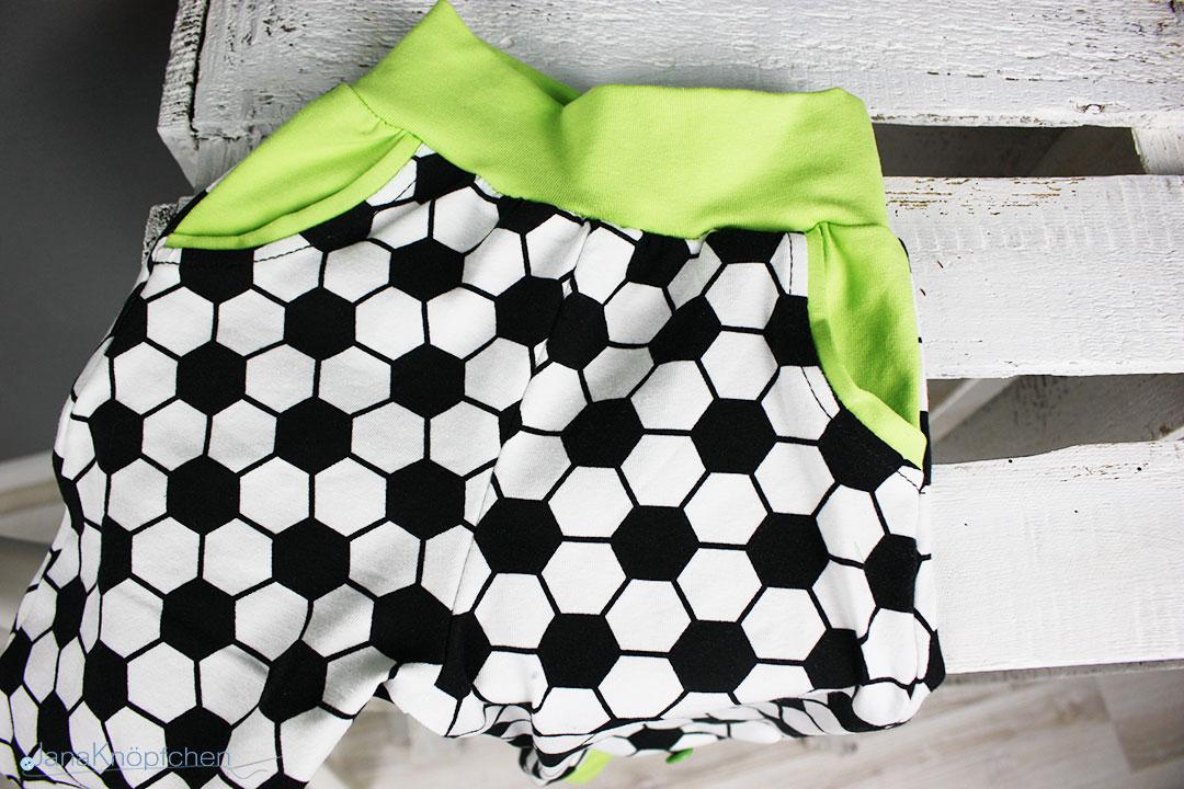 geschenk zur geburt mit kindheitserinnerung des papas. Black Bedroom Furniture Sets. Home Design Ideas