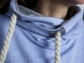 Detail der Kapuze vom selbstgenähten Hoodie mit Wickelkapuze. JanaKnöpfchen - Nähen für Jungs