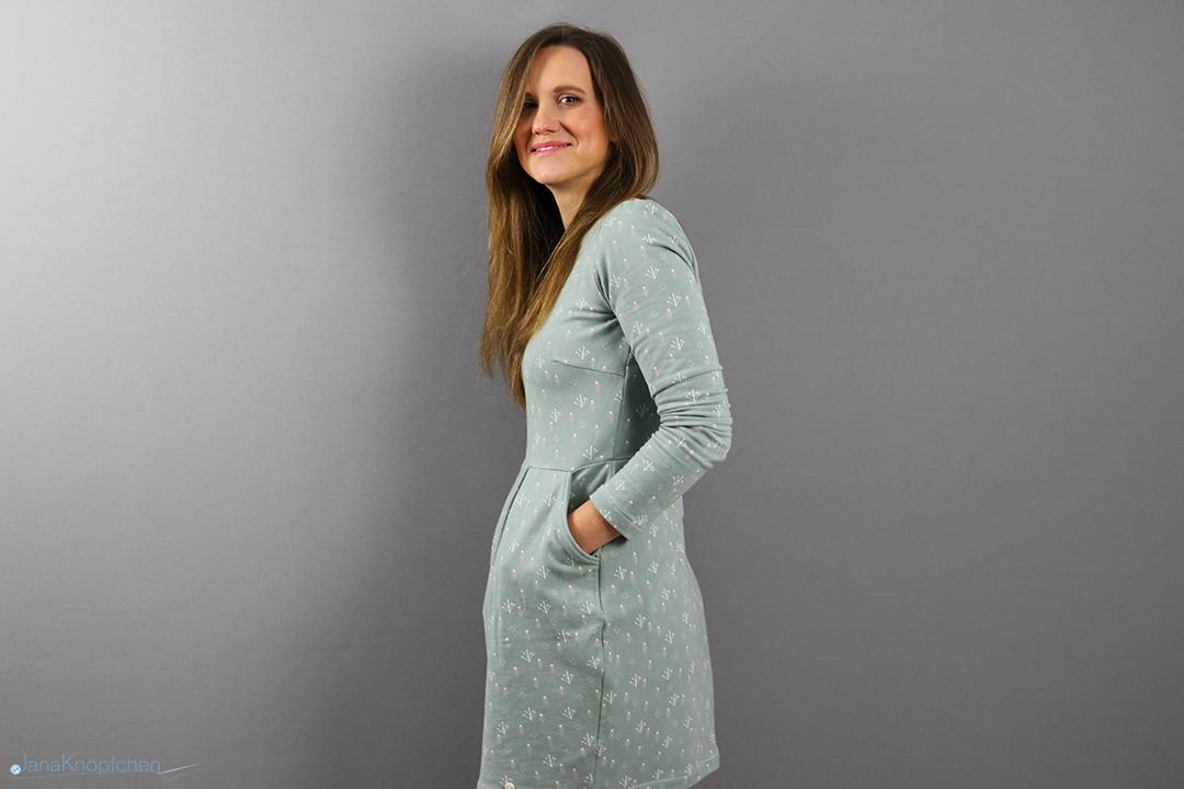 Kleid Chloe als Weihnachtsoutfit nähen. Jahresrückblick 2019 - JanaKnöpfchen. Nähen für Jungs