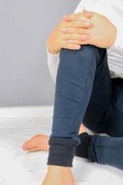 Detail des Beines der Jogginghose.  JanaKnöpfchen - Nähen für Jungs