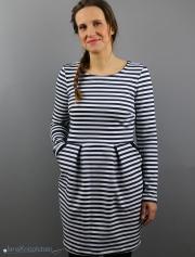 Selbstgenähtes Kleid Chloe mit Streifen. JanaKnöpfchen - Nähen für Jungs