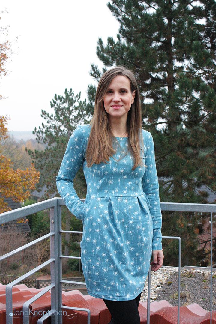 Kleid Chloe mit Tulpenrock genäht. JanaKnöpfchen - Nähen für Jungs