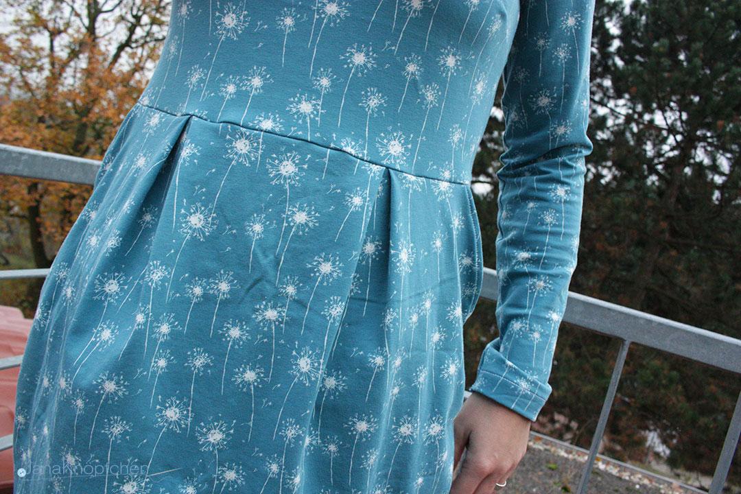 Kleid Chloe mit Kellerfalten nähen. JanaKnöpfchen - Nähen für Jungs