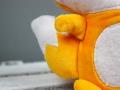 Pfote des selbstgenähten Kuscheltier Fuchs. JanaKnöpfchen - Nähen für Jungs