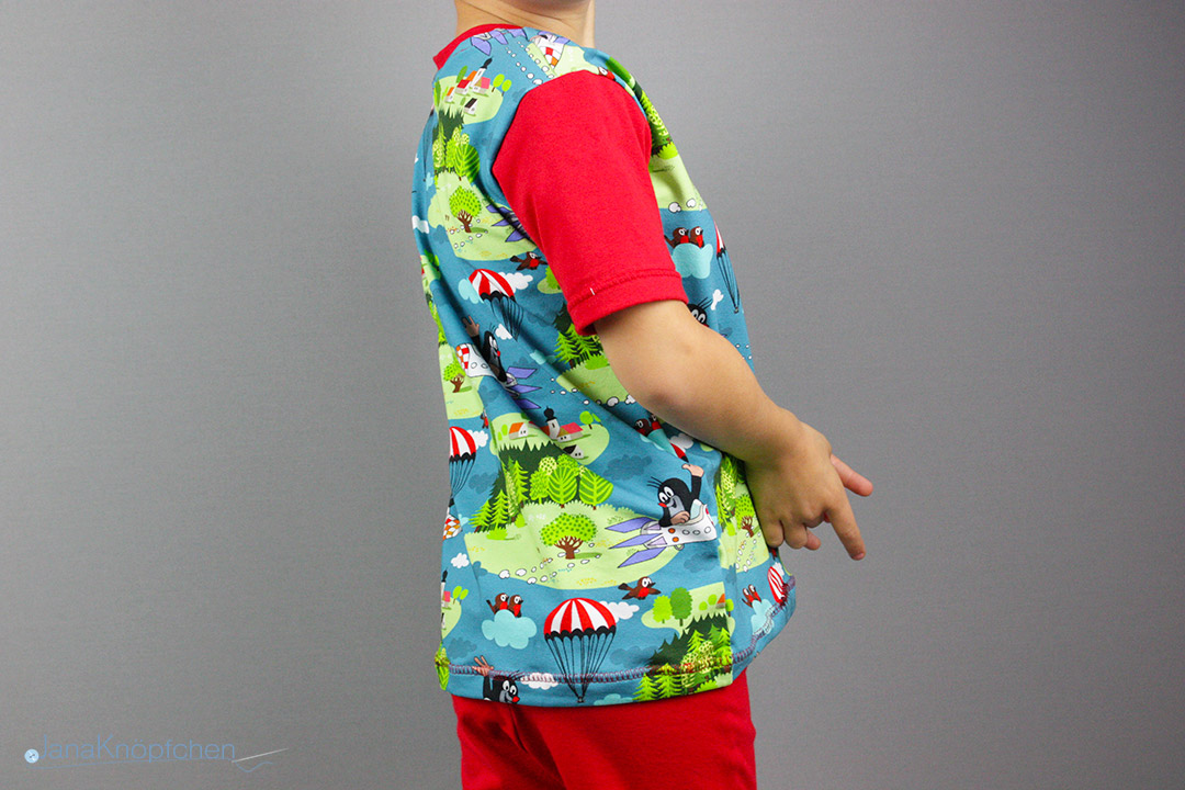 Schlafanzug für Jungs nähen aus dem Stoff Pauli mit der Rakete.  JanaKnöpfchen - Nähen für Jungs