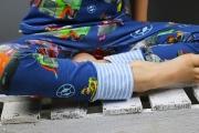 Bündchen der selbstgenähten Schlafanzughose. JanaKnöpfchen - Nähen für Jungs