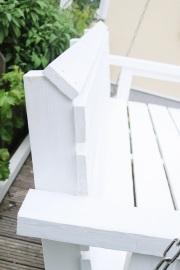 Detail der Rückenlehne der selbstgebauten Gartenschaukel.  JanaKnöpfchen - Nähen für Jungs