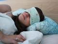 Tutorial selbstgenähte schlafbrille-tragebild-janaknoepfchen. nähblog nähen für jungs