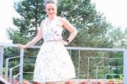 Leichtes Sommerkleid mit Blümchen genäht. JanaKnöpfchen - Nähen für Jungs
