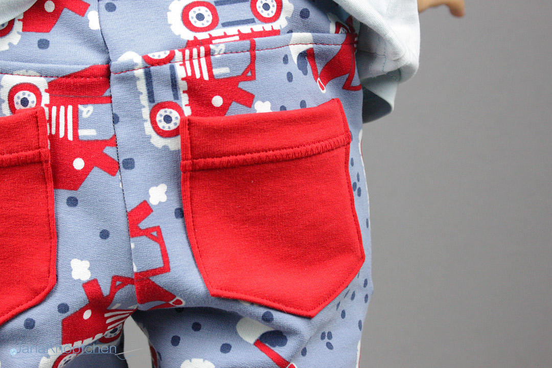 Detail Tasche der Sweatpants Alfons von Kreativlabor Berlin. JanaKnöpfchen - Nähen für Jungs