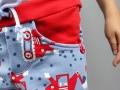 Detail der vorderen Tasche der Sweathose Alfons. JanaKnöpfchen - Nähen für Jungs