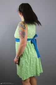 Tunikakleid mit tiefen V-Ausschnitt für Frauen genäht. JanaKnöpfchen - Nähen für Jungs