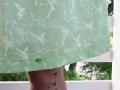 Rocksaum des selbstgenähten Tunika-Kleides.  JanaKnöpfchen - Nähen für Jungs