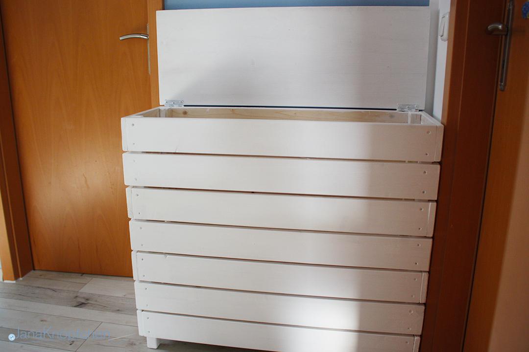 DIY Wäschekorb aus Holz selbstgebaut. JanaKnöpfchen - Nähen für Jungs