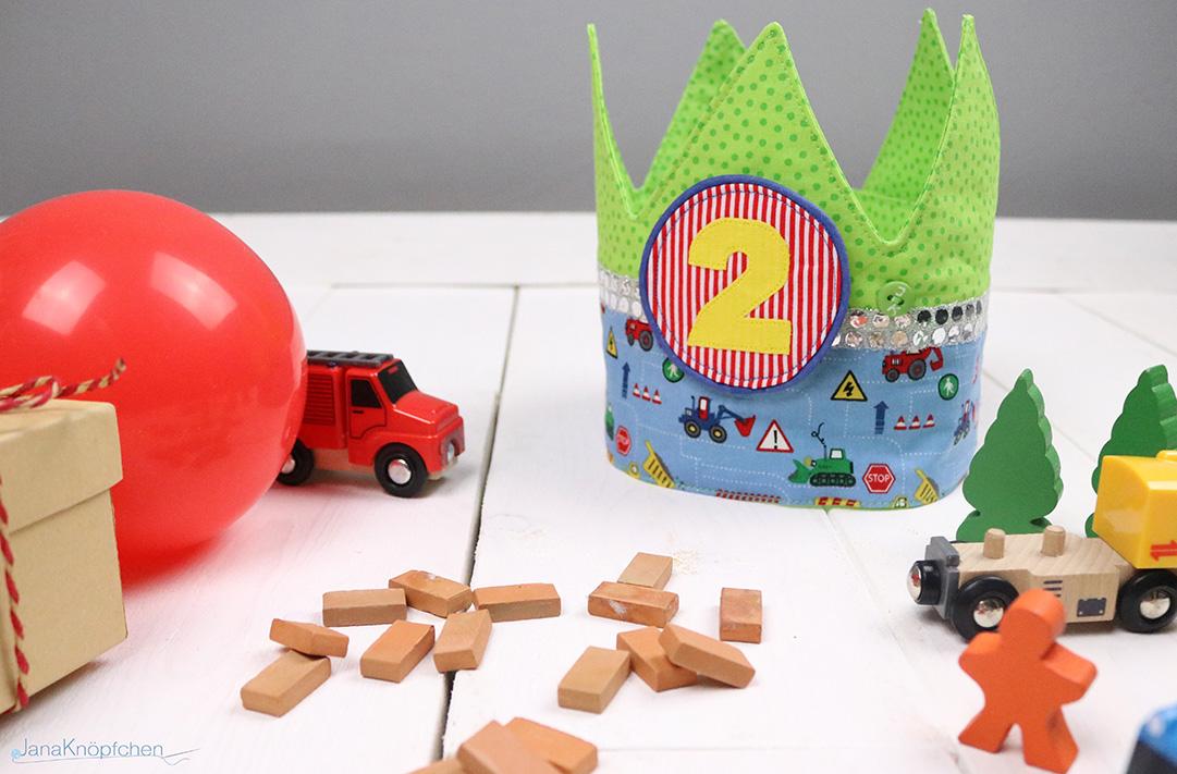 Blogspost Geburtstagskrone genäht für einen kleinen Bauarbeiter. JanaKnöpfchen - Nähen für Jungs