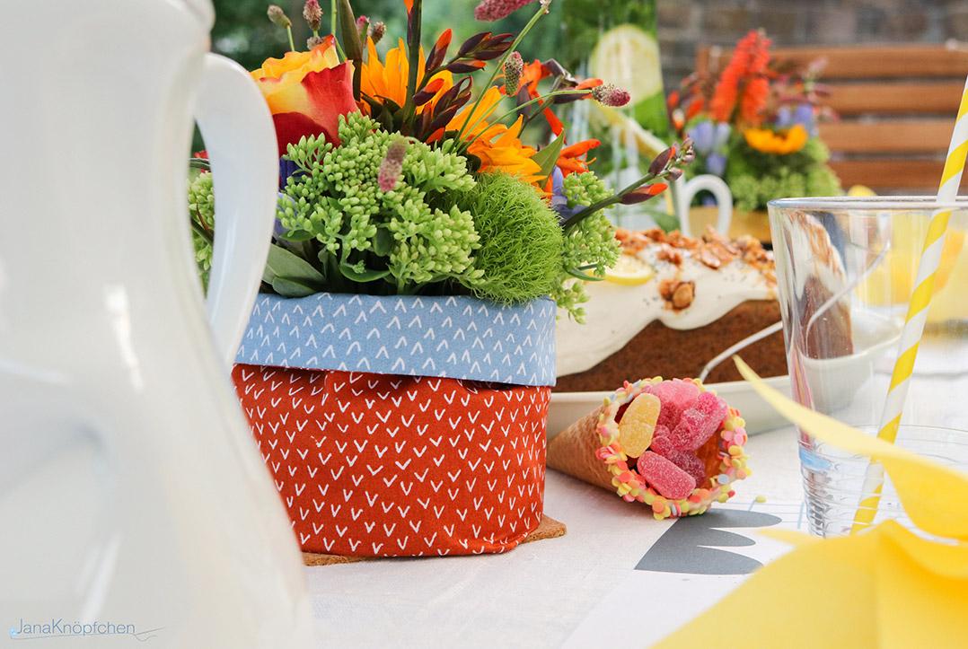 Blumen als Tischdeko zur Einschulung gestalten. JanaKnöpfchen - Nähen für Jungs
