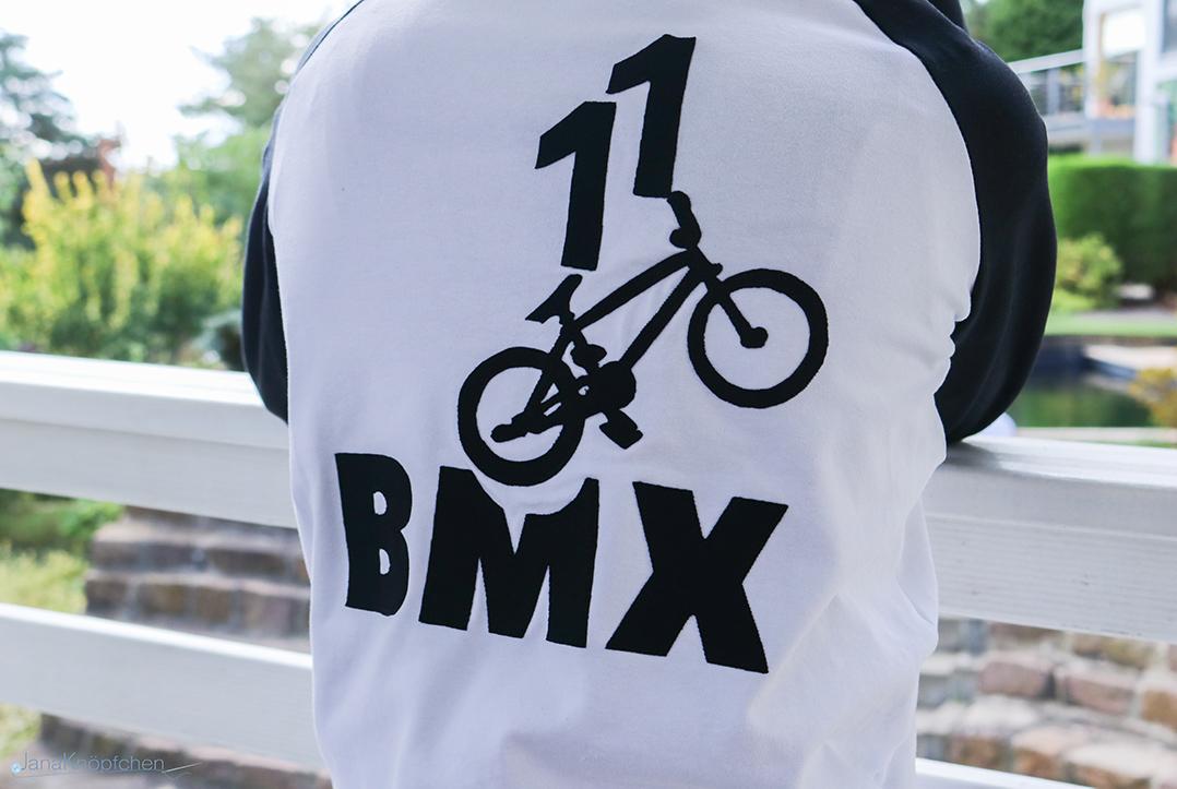 Applikation BMX auf Shirt nähen. JanaKnöpfchen - Nähen für Jungs