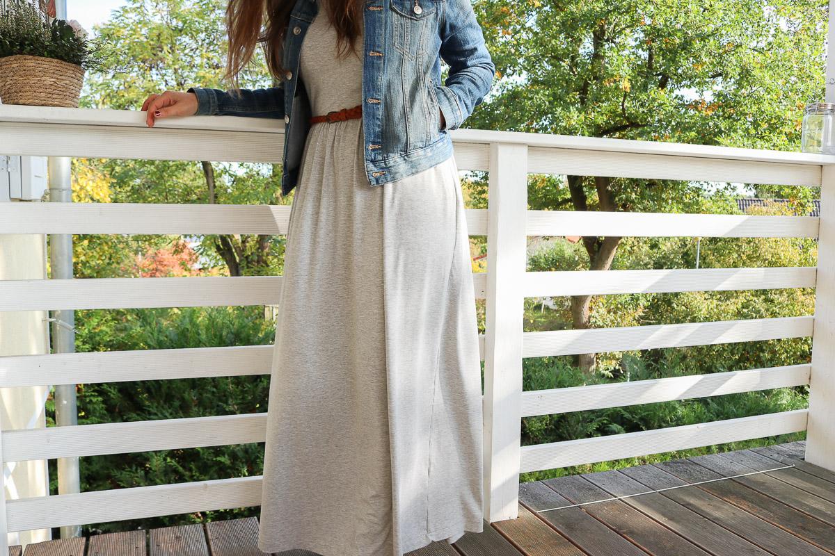 Langes Kleid mit Jeansjacke kombinieren. JanaKnöpfchen - Nähen für Jungs