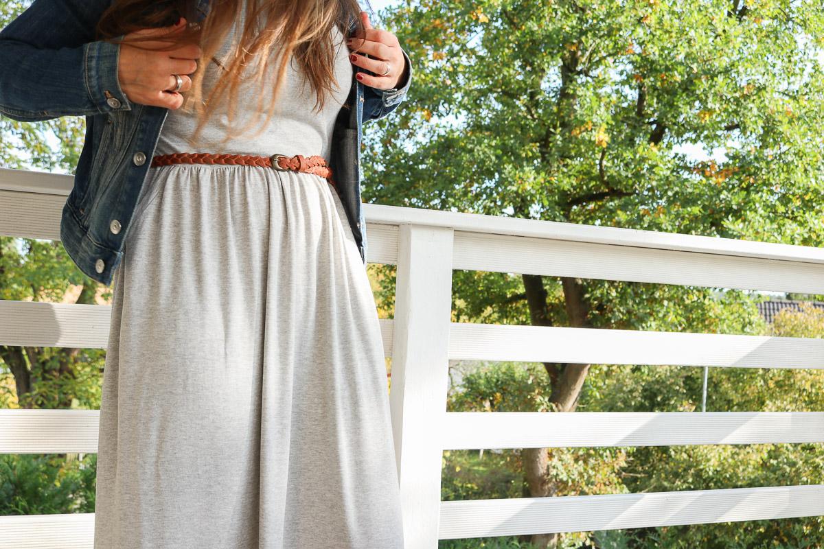 Graues langes Kleid selbstgenäht. JanaKnöpfchen - Nähen für Jungs