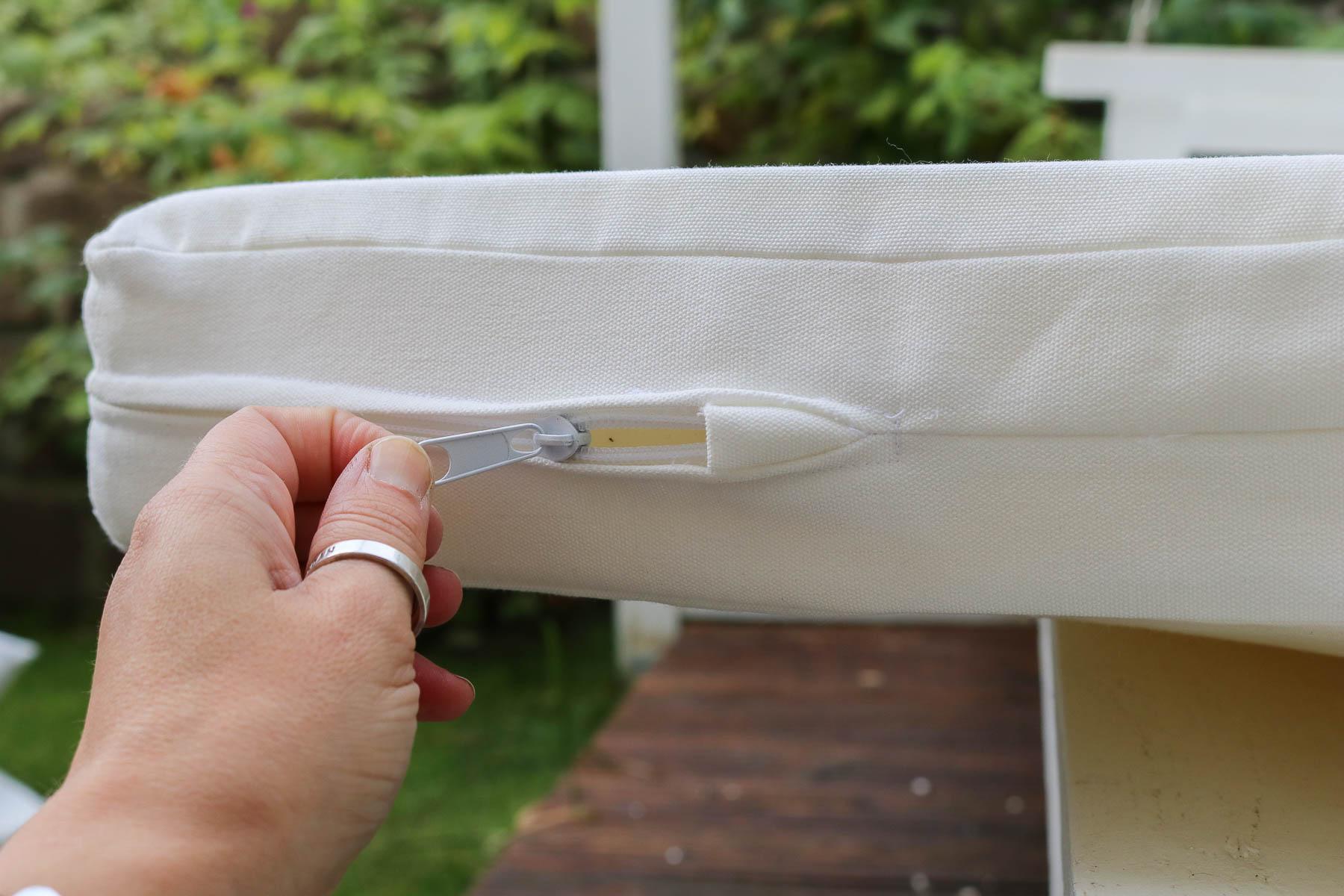 Nahtverdeckterreißverschluss in Auflage für Gartenschaukel nähen. JanaKnöpfchen - Nähen für Jungs