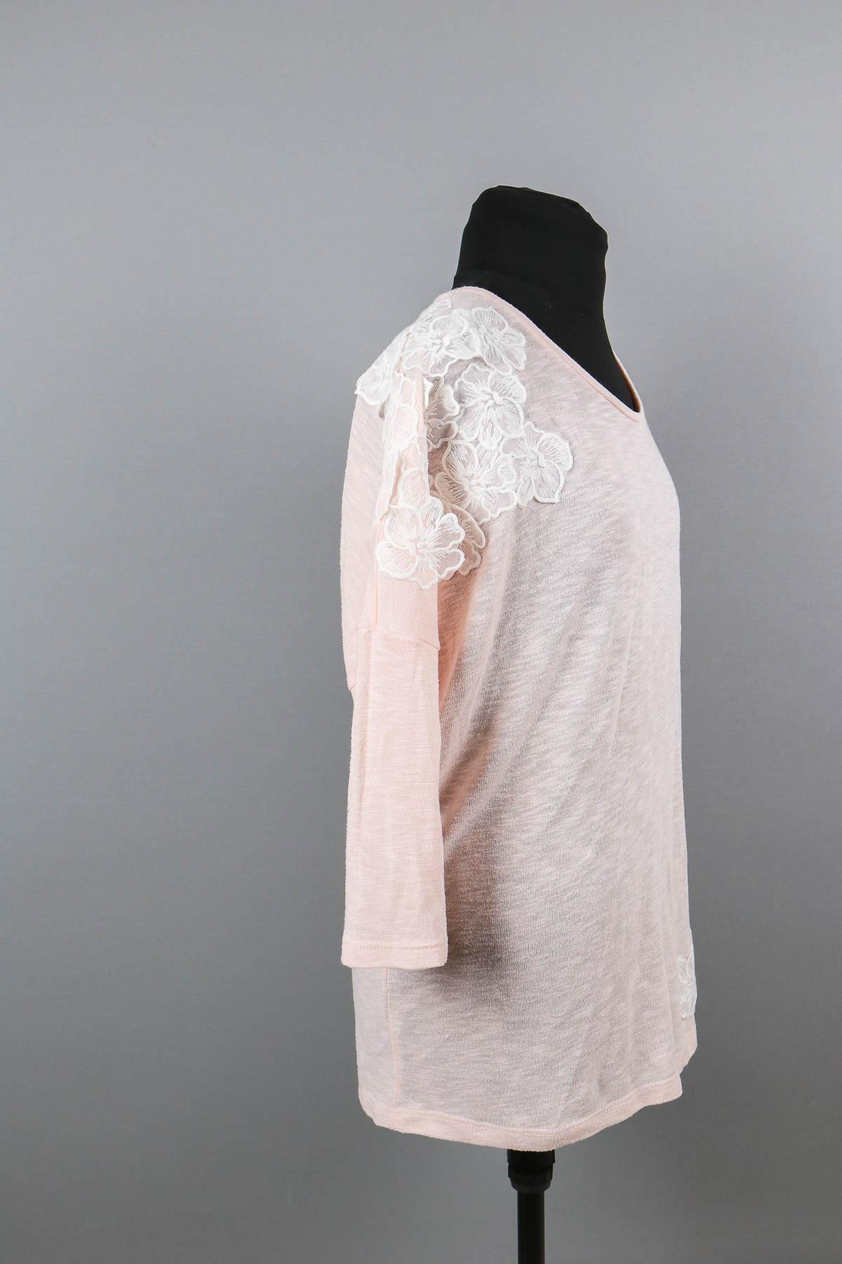 Shirt mit Spitze versehen. JanaKnöpfchen