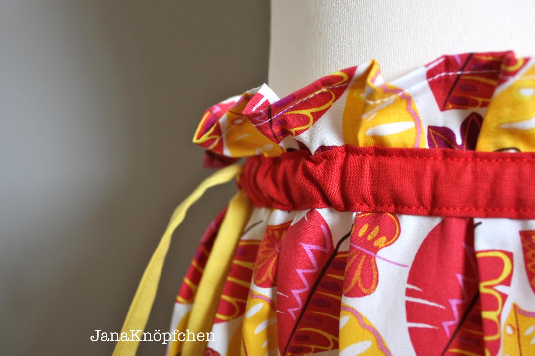 selbstgenähten Herbstrock für ein kleines Mädchen. JanaKnöpfchen - Nähen für Jungs